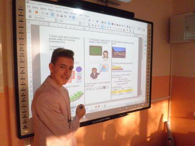 Zdjęcia z wykorzystania TIK na lekcjach